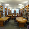 Philosophy and Theology Faculties Library - Reading rooms - (4 of 6) - First floor desks